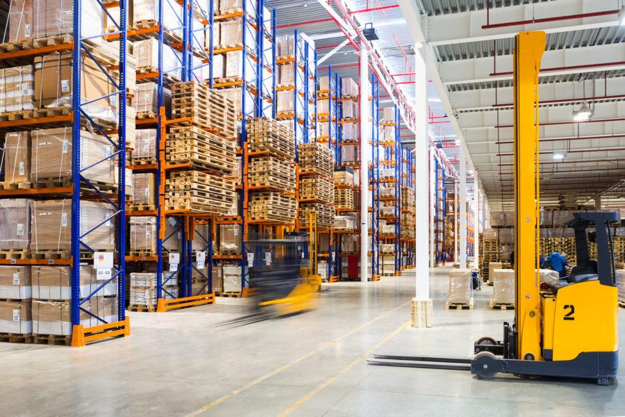 Supply chain et transport - Entrepôt et chariot élévateur